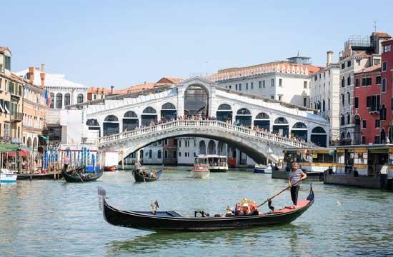 ヴェネツィアのリアルト橋